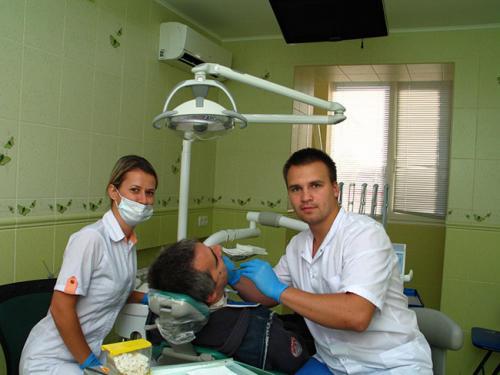 врач-стоматолог ЦКС, обслуживание пациентов