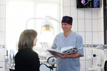 Составление плана лечения зубной имплантации только при обследовании специалиста
