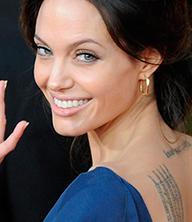 Анджелина Джоли фото улыбки