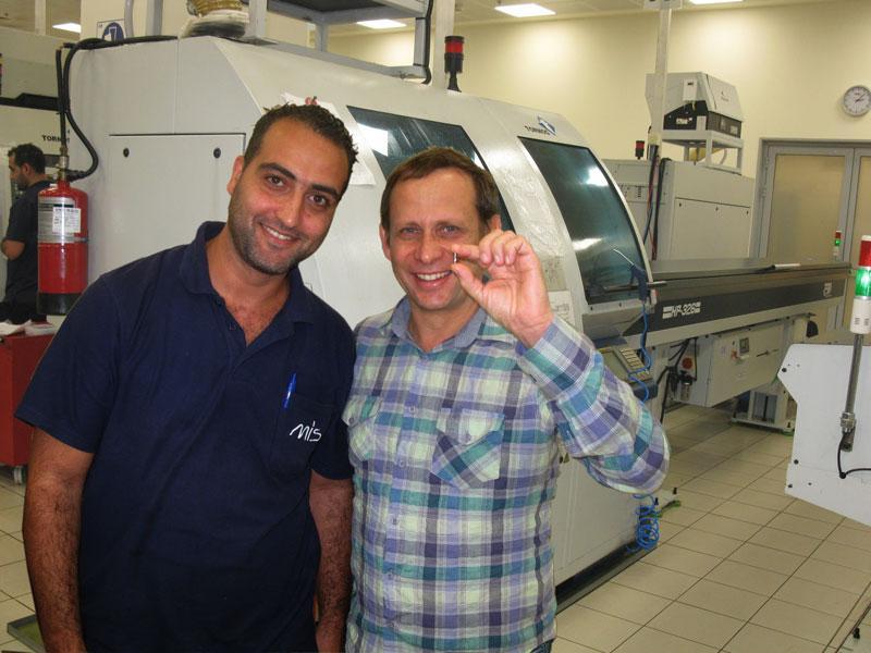Полуфабриката зубного имплантана фото