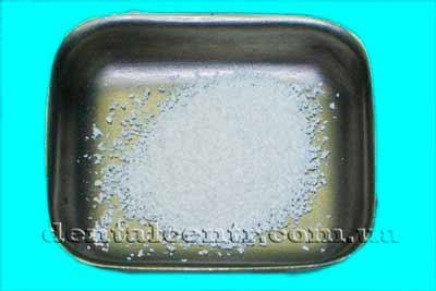 Остеозаменяющий материал в титановой емкости, фотография
