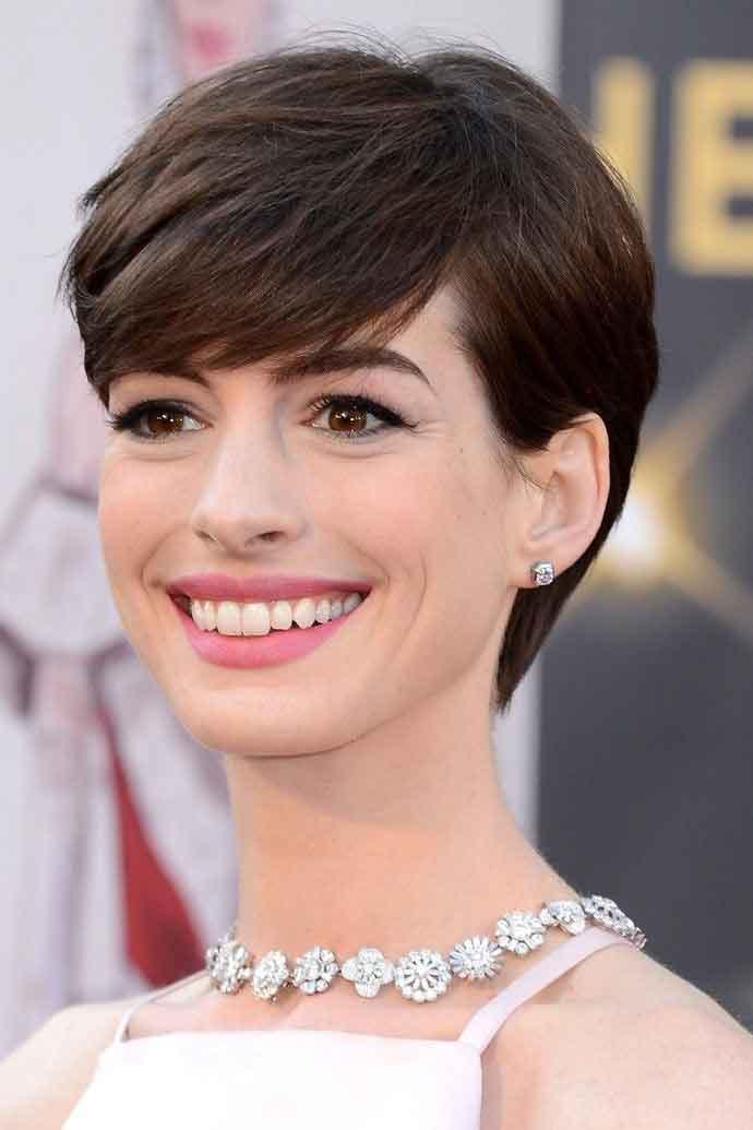 Улыбка Anne Hathaway