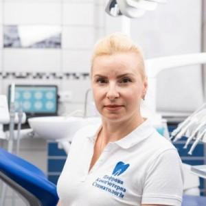Левина Руслана Алексеевна  стоматолог-терапевт, пародонтолог ЦКС
